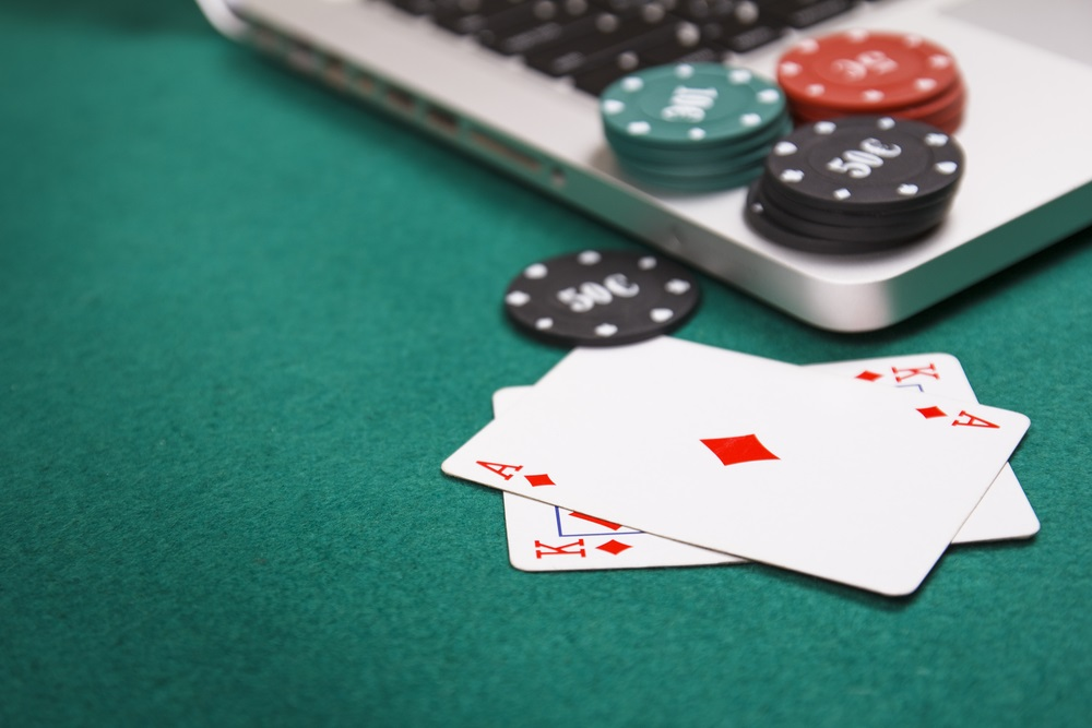 Facts about playing online poker - Poker-Checking